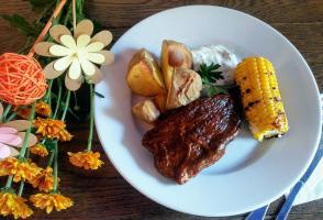 Lunch w Vege Bistro