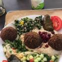Lunch w Mezze hummus & falafel